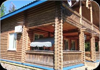 Бревенчатый дом до покраски