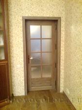 установленная, дубовая дверь