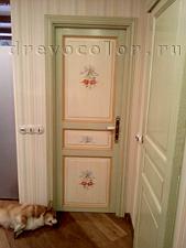 Окраска двери с рисунком и патиной