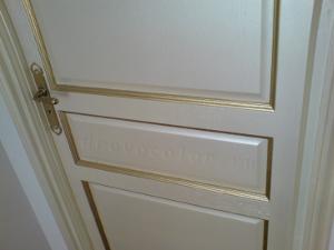 перломутровая дверь