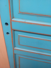 Бирюзовый цвет двери